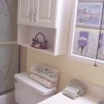 22N bathroom with tub/shower